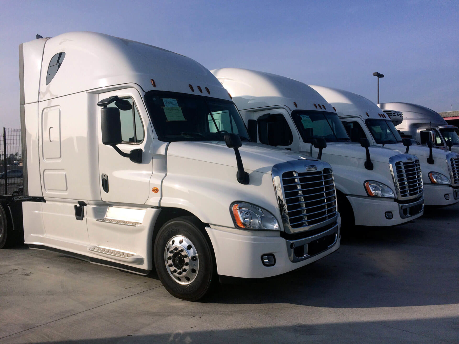 Leasing vs Renting Trucks: Row 1