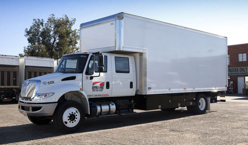 Box Truck Crew Cab 22' full