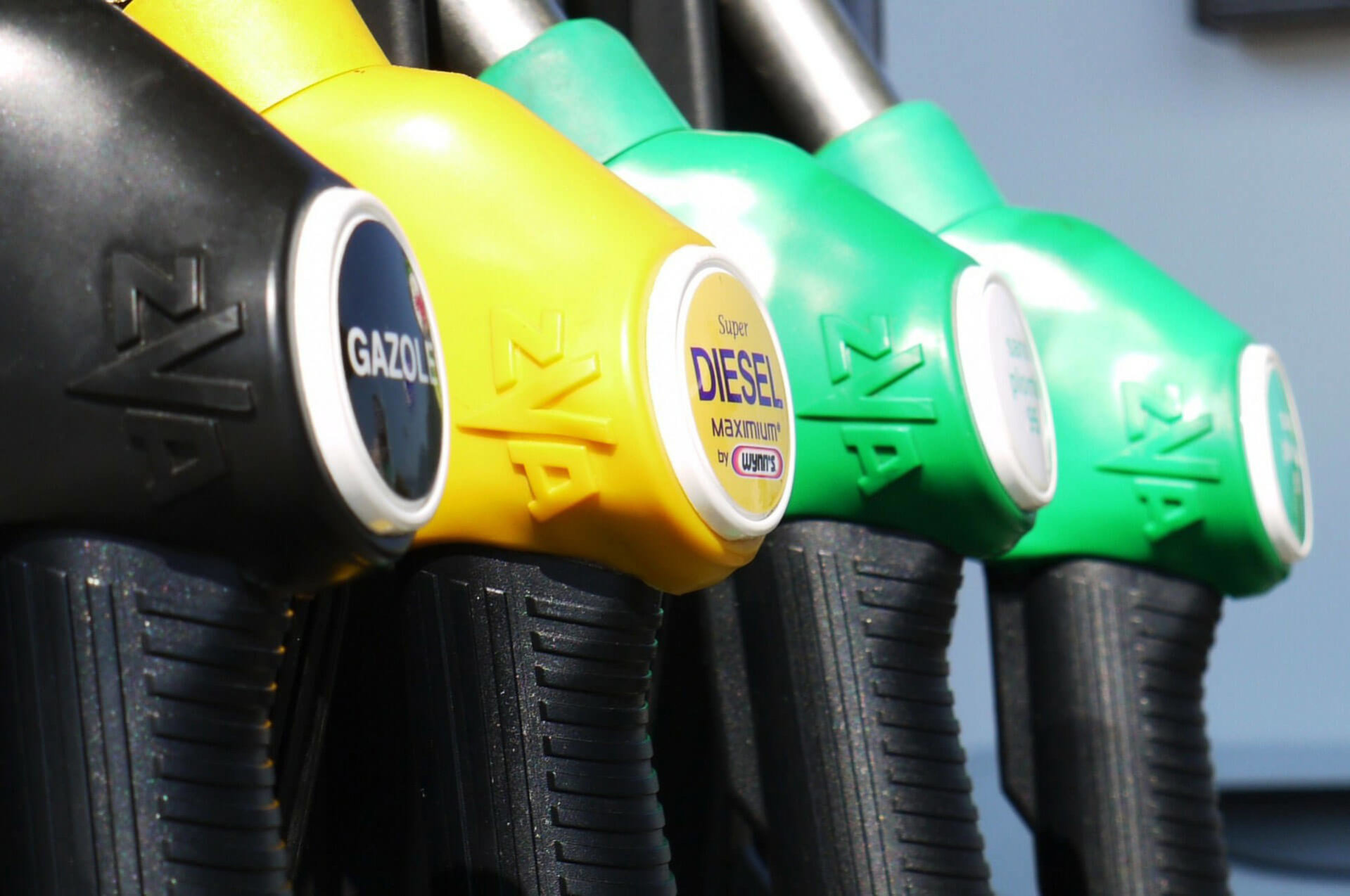 7-tips-conserving-fuel-truckers-suppose-u-drive-fuel-pumps