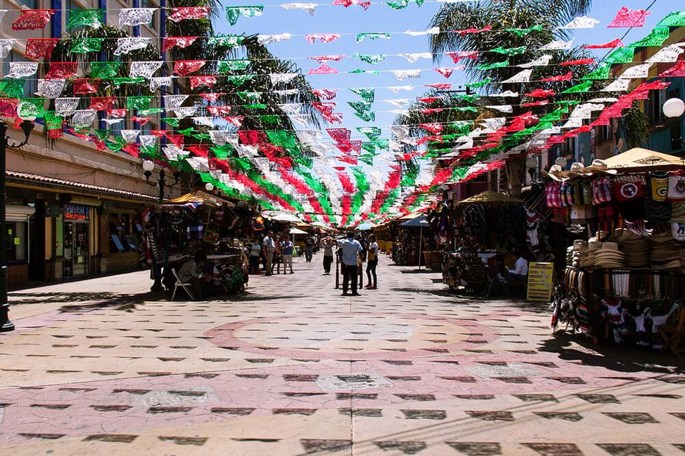 Tijuana Mexico-Interstate 5: SupposeUDrive